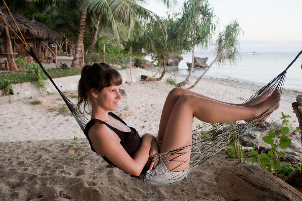 Haengematte am Strand auf Siquijor – Auf Reisen gehen | SOMEWHERE ELSE