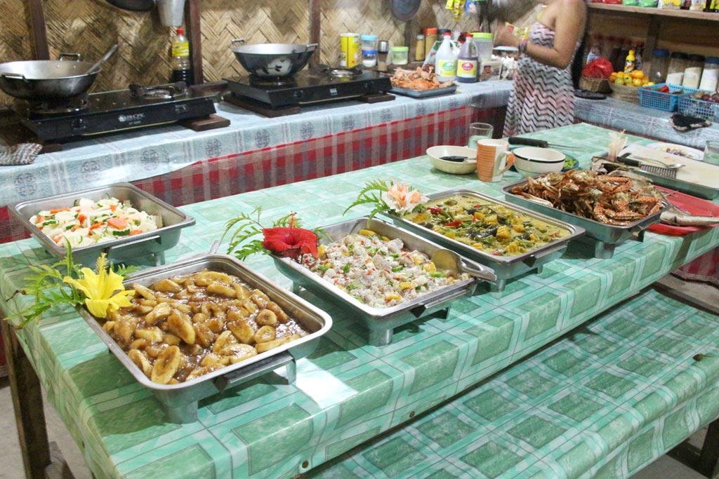 Essen im Camp auf Palawan – Philippinische Kueche | SOMEWHERE ELSE
