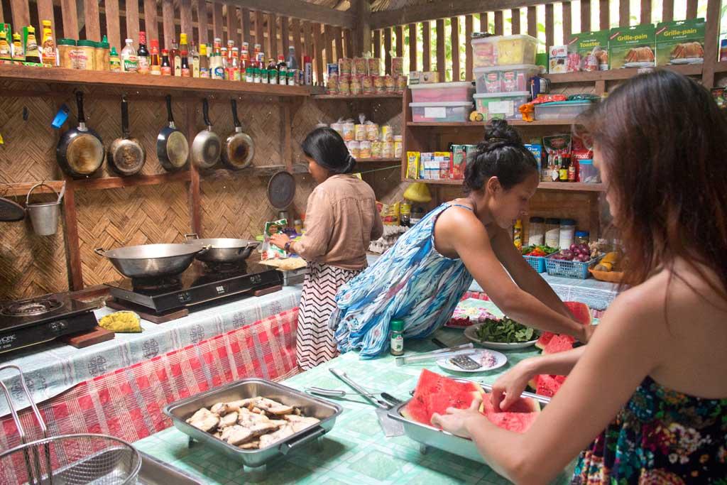 Vorbereitung Mittagessen – Philippinische Kueche | SOMEWHERE ELSE