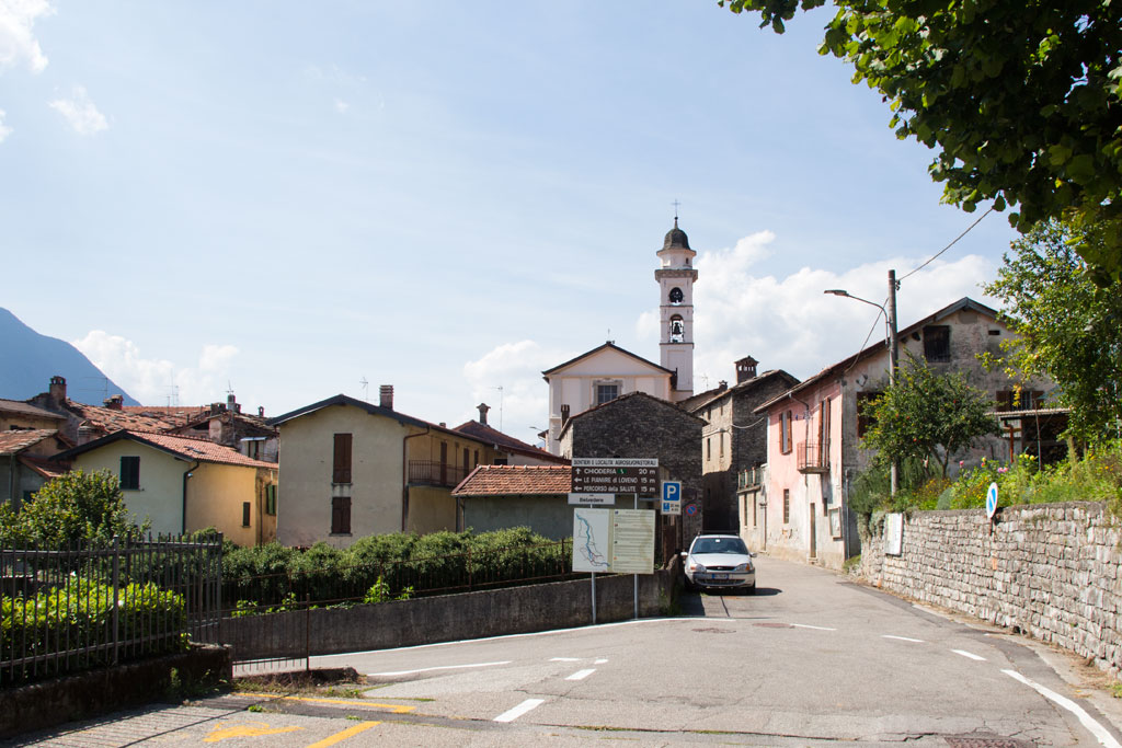 See in Italien – Dorf Barna | SOMEWHERE ELSE