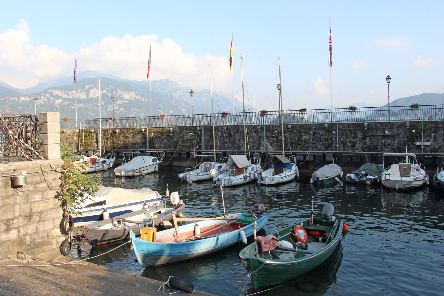 See in Italien – Boote in Menaggio | SOMEWHERE ELSE