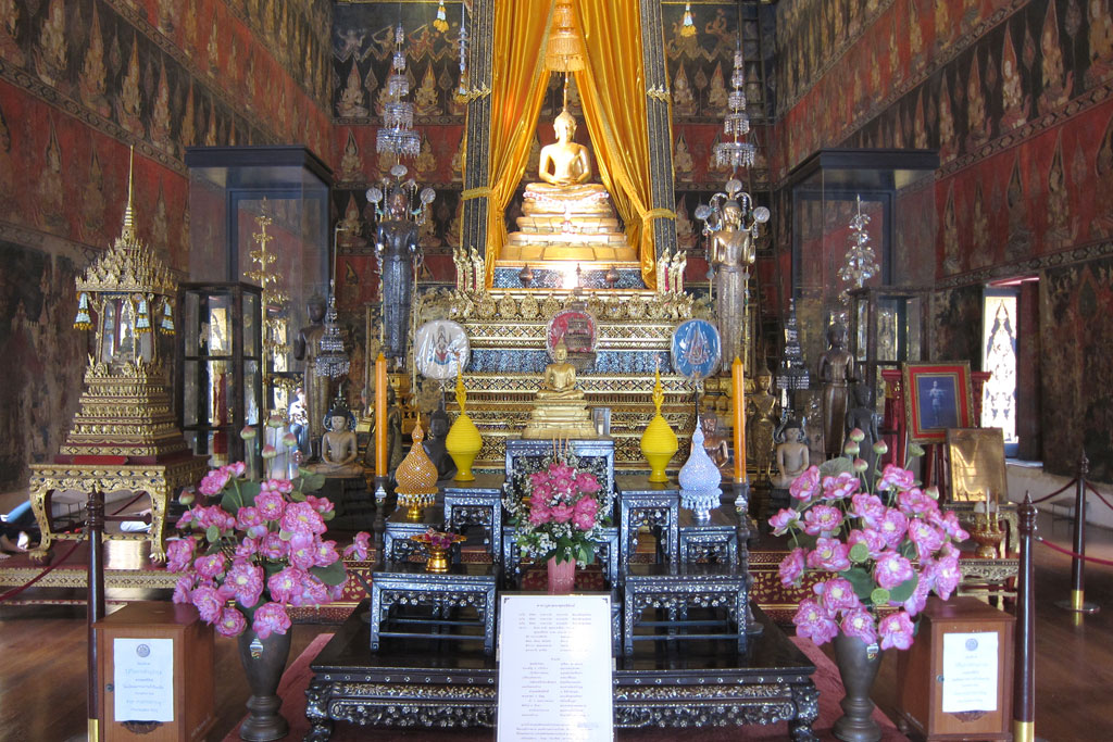 Erste Thailand Route – Buddha-Statue in Bangkok | SOMEWHERE ELSE