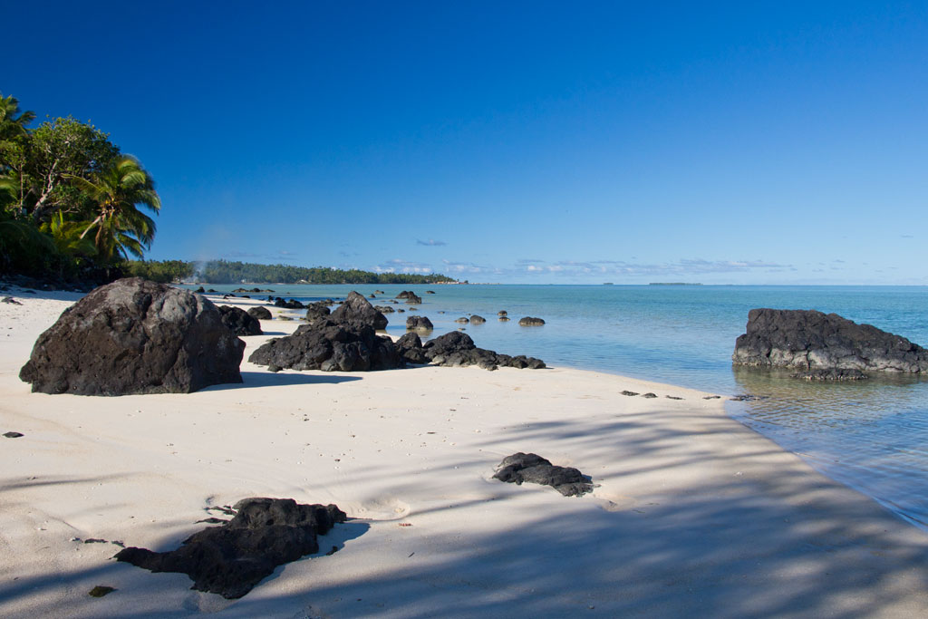 Cook Inseln Aitutaki – Strandspaziergang | SOMEWHERE ELSE