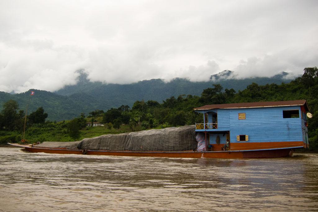Zeit zum Nachdenken – Transportweg Mekong | SOMEWHERE ELSE