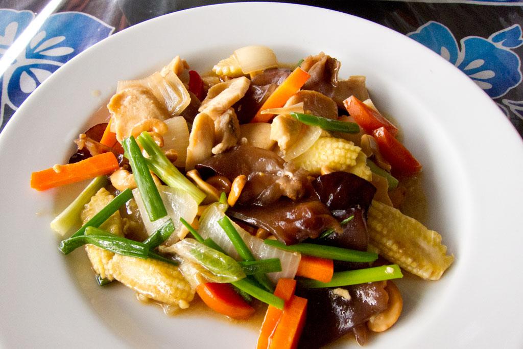 Garküche auf Ko Lanta – Thailändische Inseln | SOMEWHERE ELSE