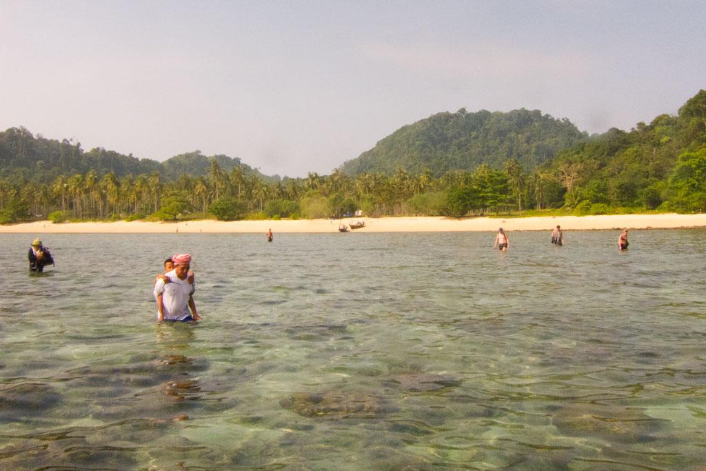 Schnorchelausflug mit Stopp auf Ko Ngai – Thailändische Inseln | SOMEWHERE ELSE