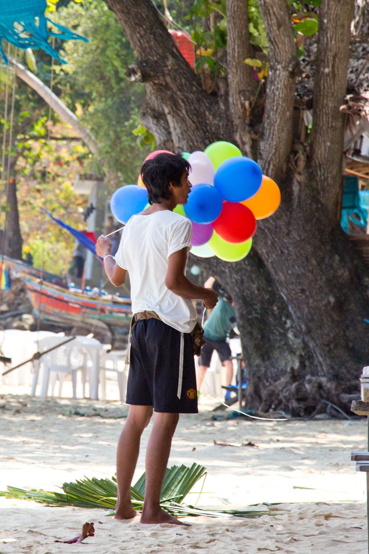 Weihnachtsvorbereitung auf Ko Phi Phi – Thailändische Inseln | SOMEWHERE ELSE
