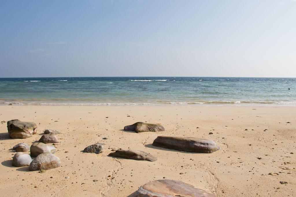 Am Strand von Ko Phi Phi – Thailändische Inseln | SOMEWHERE ELSE