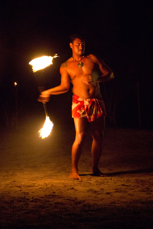 Aitutaki Lagoon Cruise – Feuertanz   SOMEWHERE ELSE