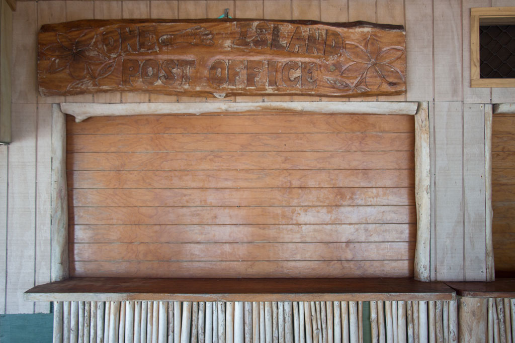 Aitutaki Lagoon Cruise – One Foot Island Post Office | SOMEWHERE ELSE