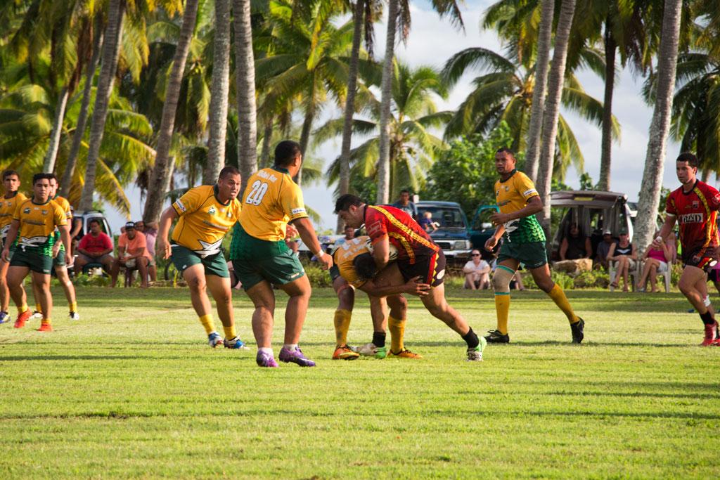 Aitutaki Lagoon Cruise – Rugbyspiel   SOMEWHERE ELSE