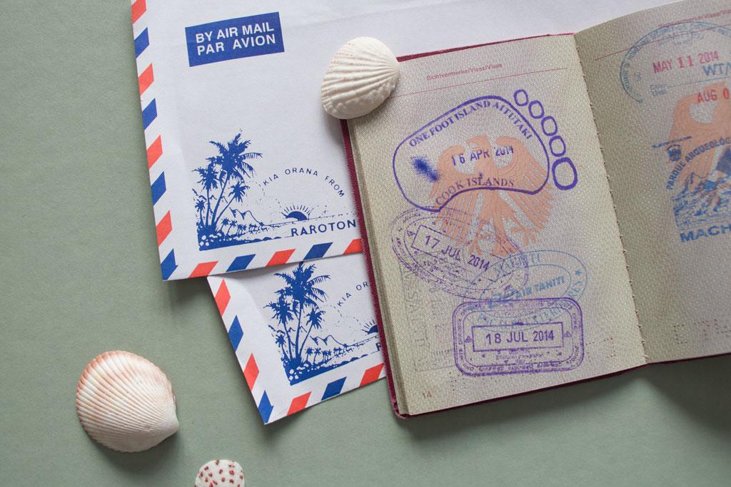 Aitutaki Lagoon Cruise – Stempel One Foot Island Post Office   SOMEWHERE ELSE