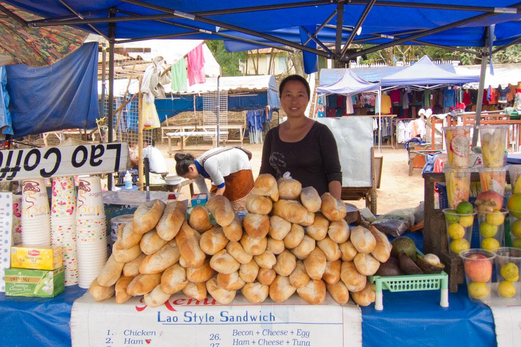 Laotische Küche – Baguette vom Straßenstand | SOMEWHERE ELSE