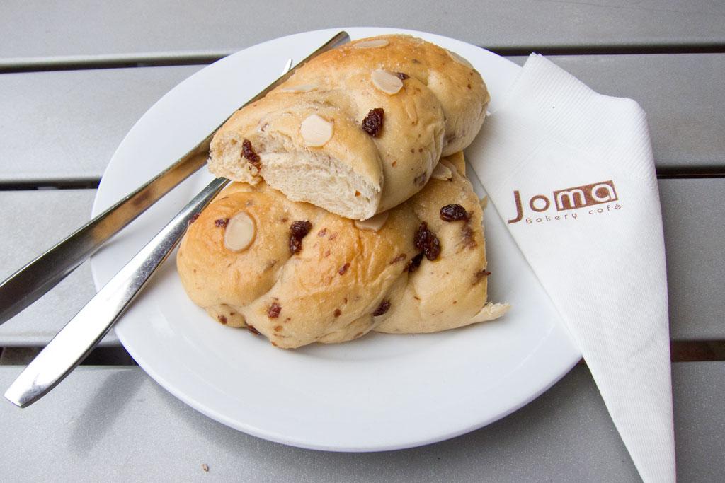 Laotische Küche – Hefeteilchen im Joma Cafe | SOMEWHERE ELSE