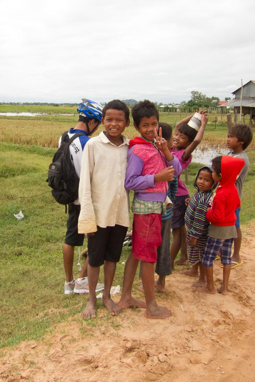 Leben in Kambodscha – Kinder auf unserer Fahrradtour | SOMEWHERE ELSE