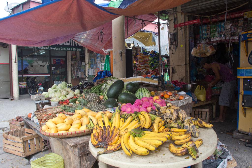 Märkte auf den Philippinen – Obst und Gemüse in Moalboal auf Cebu | SOMEWHERE ELSE