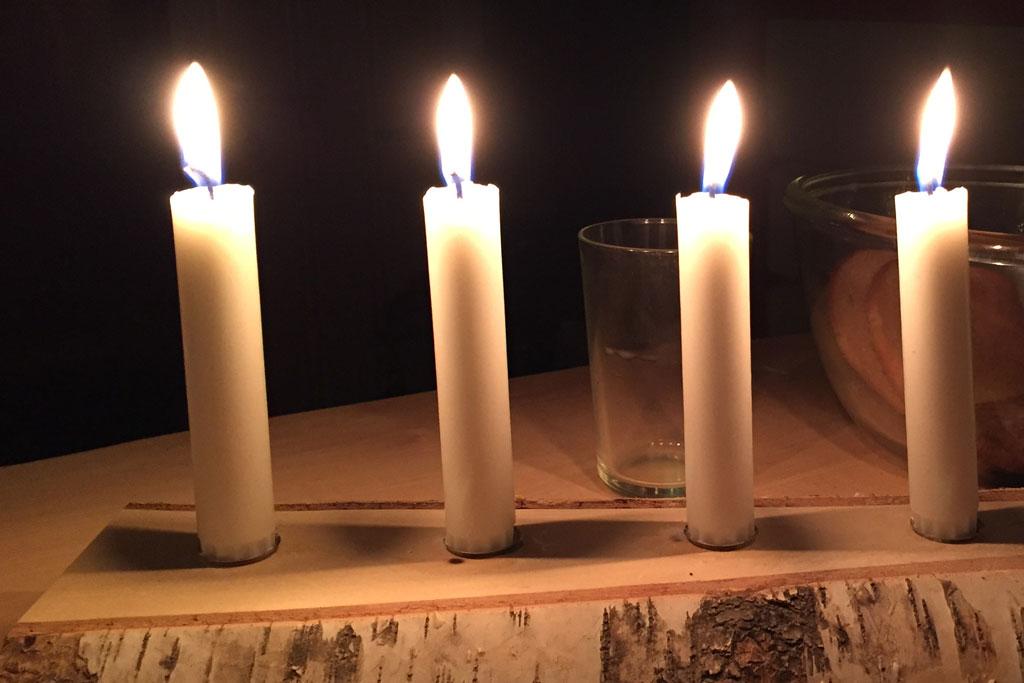 Mit Schlittenhunden durch Schwedens Winterlandschaft – Kerzenlicht | SOMEWHERE ELSE