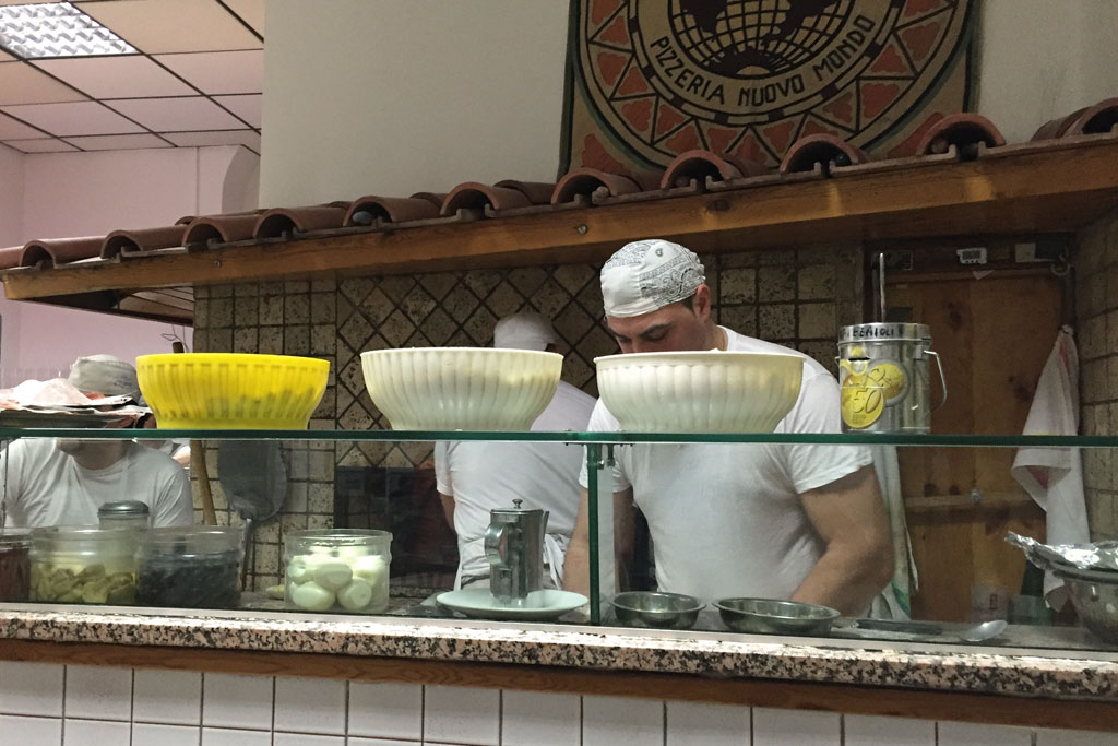 Testaccio Rom – Pizzeria Nuovo Mondo | SOMEWHERE ELSE