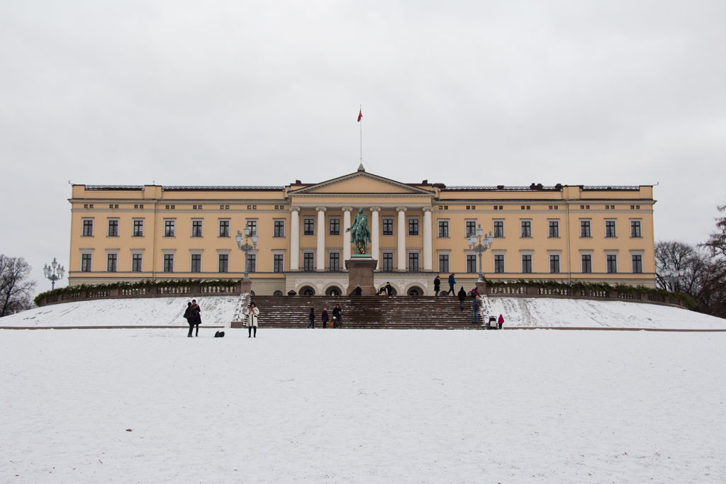 Winter in Oslo – Königliches Schloss | SOMEWHERE ELSE