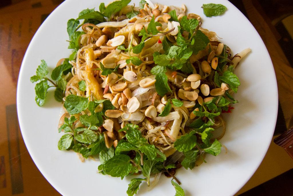 Vietnamesisch Kochen lernen – Bananenblütensalat | SOMEWHERE-ELSE