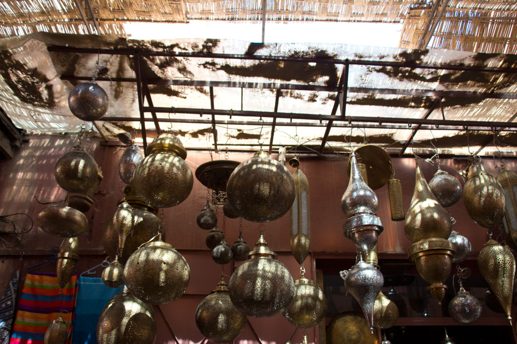 Marokko Trip – Marrakesch – Lampen in den Souks | SOMEWHERE ELSE