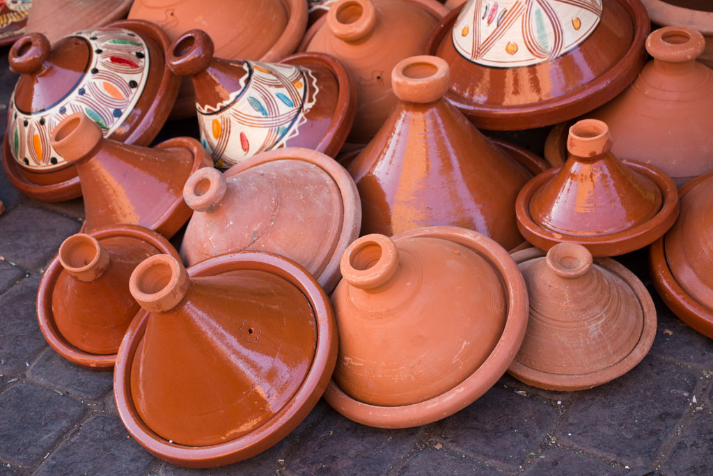 Marokko Trip – Marrakesch – Tagine in einer Gasse der Medina | SOMEWHERE ELSE