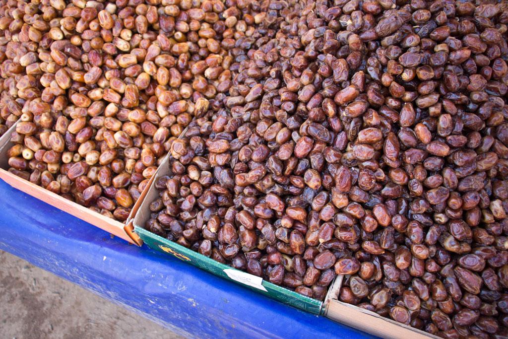 Marokkanische Gerichte – Datteln auf dem Markt in Aourir | SOMEWHERE ELSE