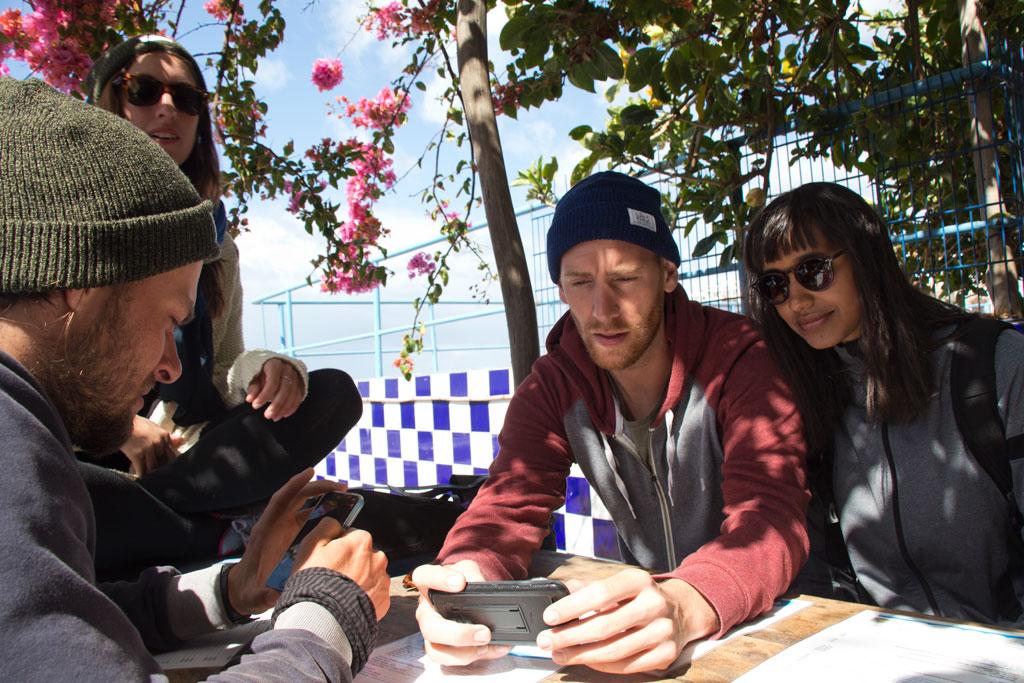 Taghazout Surfen – Frühstücksdrink beim Café Aftas | SOMEWHERE ELSE