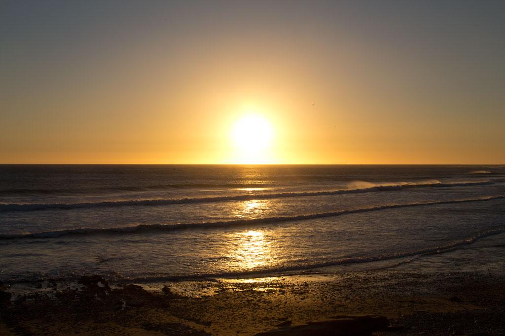 Taghazout Surfen – Sonnenuntergang am Anchor Point   SOMEWHERE ELSE