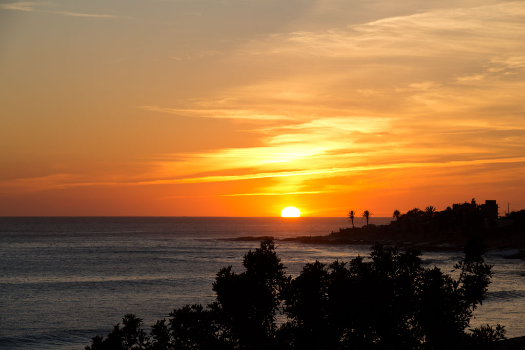 Taghazout Surfen – Sonnenuntergang von der Terrasse | SOMEWHERE ELSE
