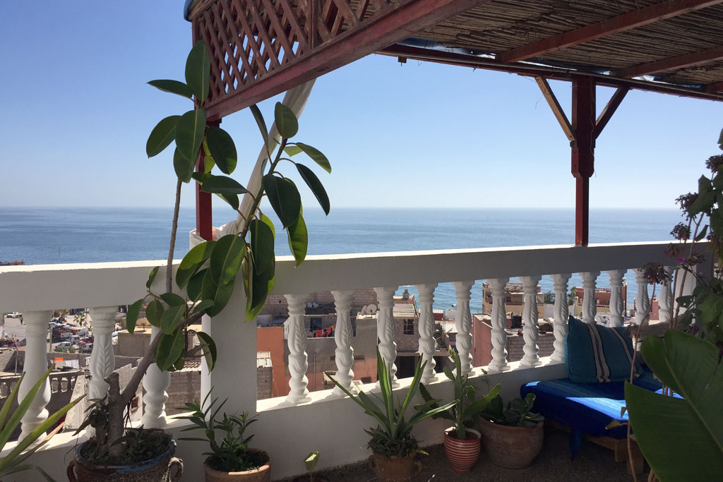 Taghazout Surfen – Dachterrasse vom Sundesk   SOMEWHERE ELSE