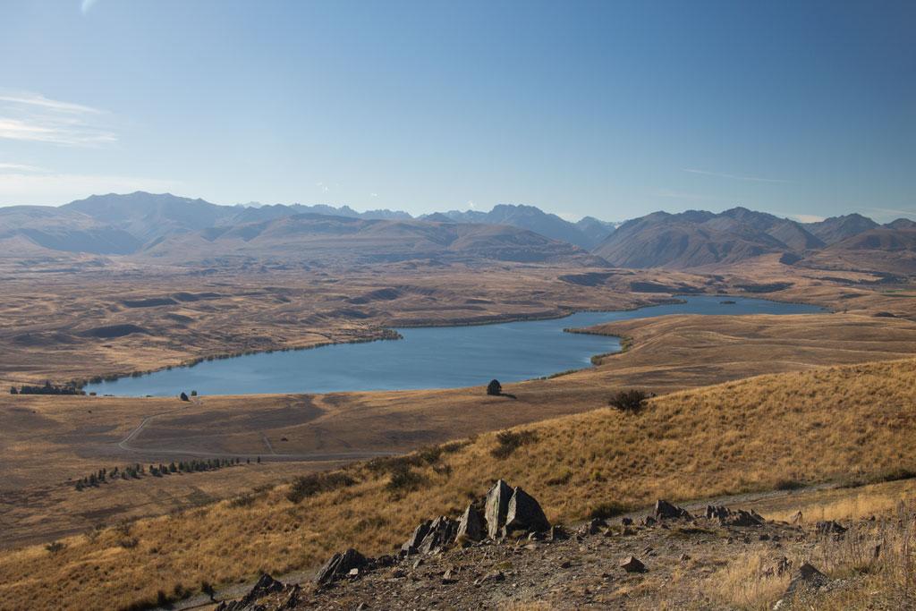 Neuseeland Südinsel Landschaften – Lake Tekapo Blick über den See | SOMEWHERE ELSE