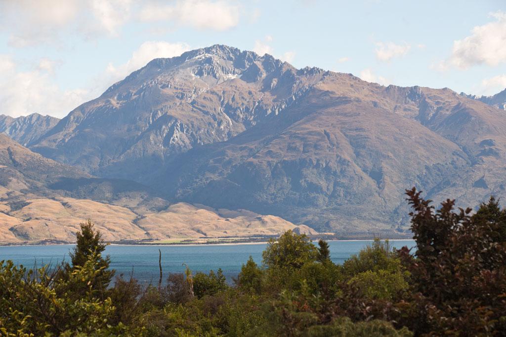 Neuseeland Südinsel Landschaften – Lake Wanaka Seeblick mit Bergen | SOMEWHERE ELSE