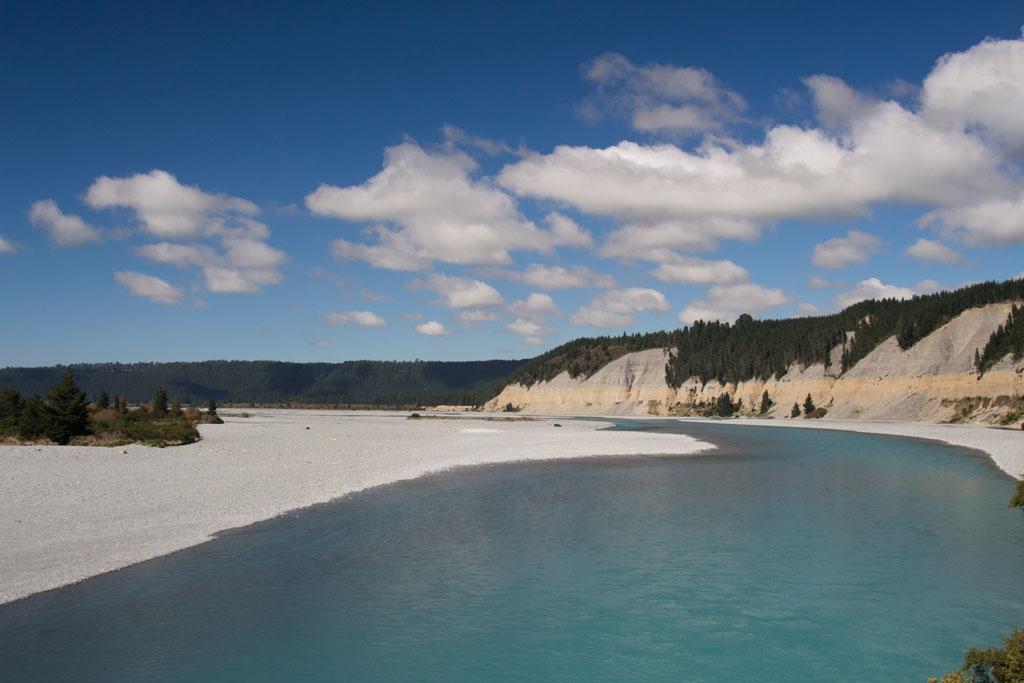 Neuseeland Südinsel Landschaften – Scenic Drive 72 türkisfarbener Flusslauf | SOMEWHERE ELSE