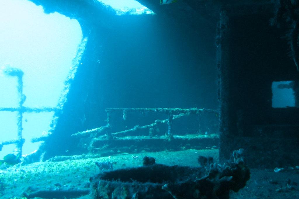 Tauchen in Mexiko – Blick ins Schiffswrack C58 | SOMEWHERE ELSE