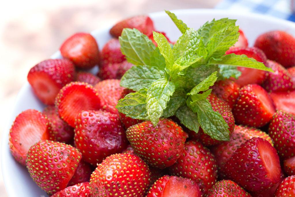 Endlich Sommer Liste – Erdbeeren | SOMEWHERE ELSE