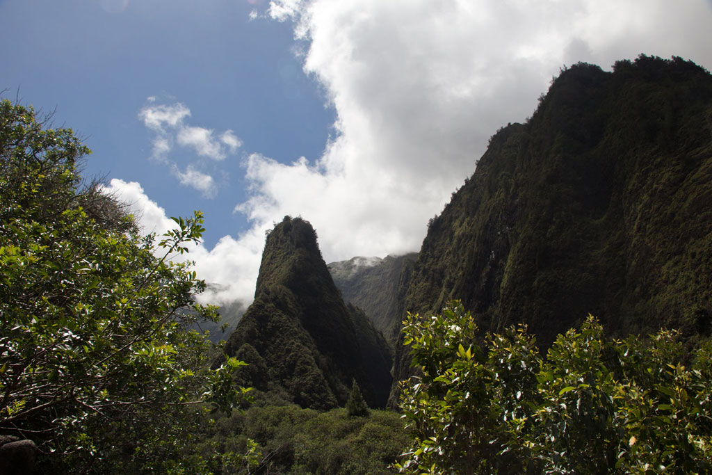 Maui Hawaii – The Needle im Iao Valley State Park | SOMEWHERE ELSE