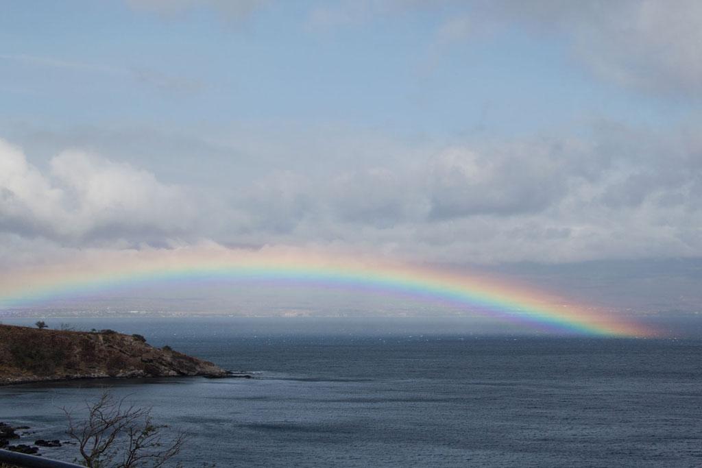 Maui Hawaii – Regenbogen über dem Meer | SOMEWHERE ELSE