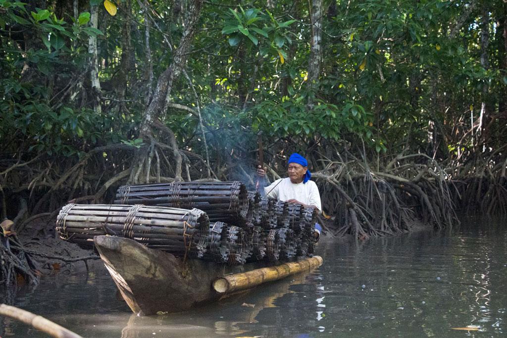 Port Barton – Fischer in den Mangroven | SOMEWHERE ELSE
